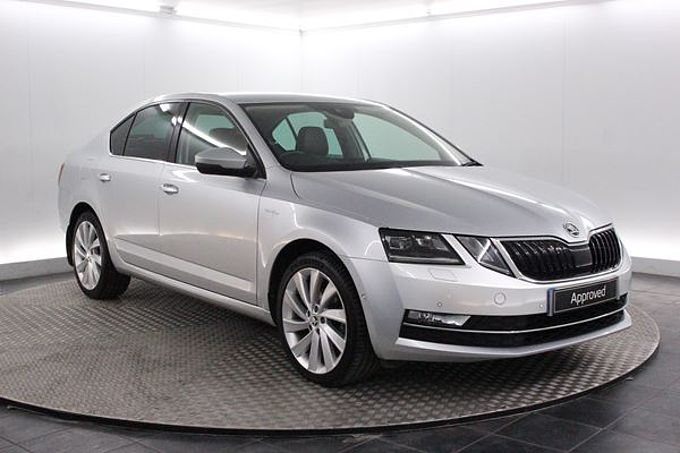 SKODA OCTAVIA 2.0 TDi Laurin & Klement Manual